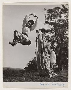 Emmy Taussig & Shona dunlop, Margaret Michaelis-Sachs, la fotógrafa anarquista (y III) Saw Costume, Moving To New Zealand, Vintage Dance, New Zealand Houses, Dance Training, Dance Photos, Old Movies, Nice View, Female Bodies