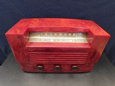 VINTAGE-1940s-RCA-VICTOR-ART-DECO-OLD-CATALIN-BAKELITE-RADIO-RED-MARBLED-COLOR