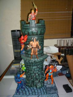 una de las torres del castillo  castillo Grayskull,hecho por mi