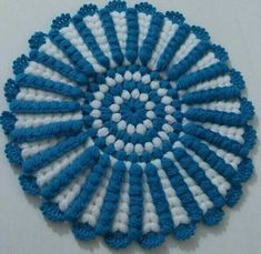 This Pin was discovered by hav Crochet Crafts, Crochet Doilies, Crochet Flowers, Crochet Lace, Crochet Projects, Crochet Borders, Crochet Stitches, Crochet Patterns, Crochet Clothes