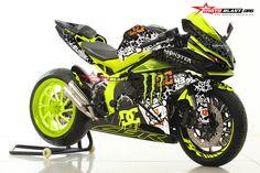 information and pictures for motorcycles Moto Bike, Motorcycle Bike, Honda Motorcycles, Cars And Motorcycles, Er6n, Kawasaki Bikes, Custom Sport Bikes, Futuristic Motorcycle, Ken Block