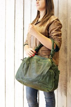 "Handmade Italian  Leather Messenger Bag ""PUMP BAG"" di LaSellerieLimited su Etsy"