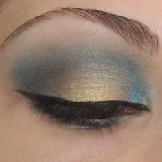 Pretty Blue and Gold eye - Love it. And I'm not a fan pf blue eye shadow normally.... but it looks amazinggg.
