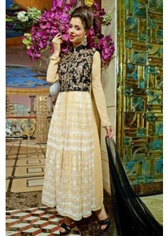 couleur crème georgette Anarkali costume, - 93,00 €, #RobeIndienne #AnarkaliPasCher #CostumeFrance #Shopkund