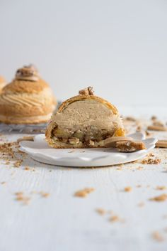 Choux au Craquelin (Cream Puffs) with Caramelised White Chocolate Whipping Ganache, Caramelised Bananas, and Pecan Brittle #desserts #creampuffs
