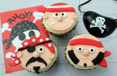 Pirate cupcakes how to Cupcake Recipes, Dessert Recipes, Baking Desserts, Picnic Recipes, Cupcake Ideas, Health Desserts, Cupcake Toppers, Cupcake Cakes, Rose Cupcake