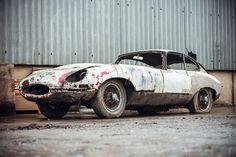 Редкий спорткар Jaguar E-Type 20 лет простоял в гараже