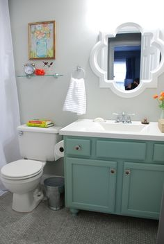 Small Bathroom Makeover Reveal Benjamin Moore Moonshine