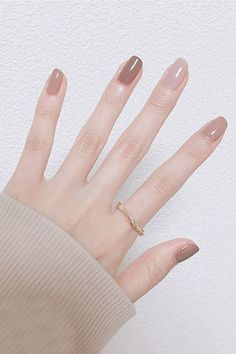 As a student, suitable nail art is limited. But these nails are very light in color and are very suitable for students. Simple Gel Nails, Soft Nails, Basic Nails, Neutral Nails, Classy Nails, Stylish Nails, Cute Nails, Pretty Nails, Neutral Tones