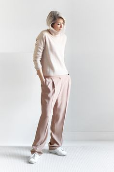 Outfit | soft pink tones | roll neck | MyDubio