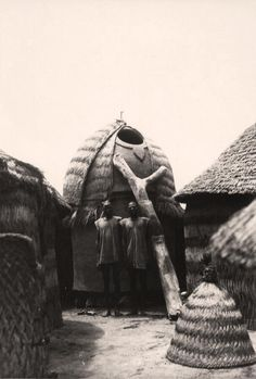 Africa | Millet granary within a homestead.  Moundang, Kaele region, Cameroon.  ca. 1945 - 1979 | ©Bohumil Holas // PP0176490