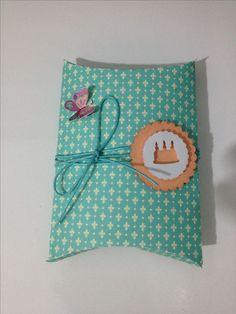 Caixinha travesseiro -  aniversário/ pillow box