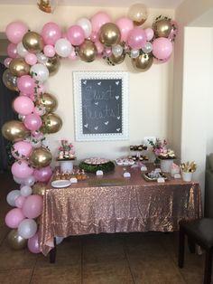 Birthday Balloon Decorations, Girl Baby Shower Decorations, Baby Shower Themes, Golden Birthday Parties, Unicorn Birthday Parties, Deco Ballon, Pink Gold Birthday, Creation Deco, Baby Shower Princess