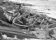 Here's Sunday's story recalling the 1960 landfall of Hurricane Donna in Hampton Roads, plus the previously posted photo gallery: http://bit.ly/1M4tSTn -- Mark St. John Erickson