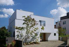Bridged Living Space by TT Architects -  Kurashiki, Okayama Prefecture, Japan