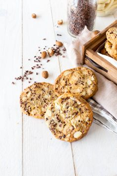 white chocOlate cookies with almonds & cocoa