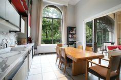 kitchen: Appartement d'exception de 395m² avec jardin privatif à Paris 7ème - Champ de Mars