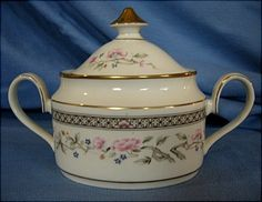 Minton MARQUESA Sugar Bowl with Lid S775 Manufacturer's flaw appears unused #MINTON