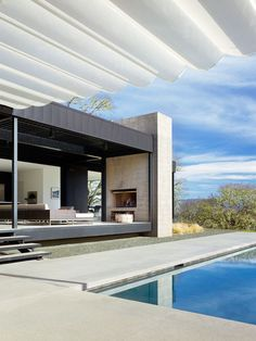 Burton Residence by Marmol Radziner | HomeDSGN, a daily source for inspiration and fresh ideas on interior design and home decoration.