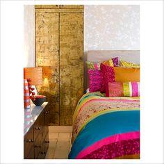 Quatrefoil Marrakesh Morocco Style inspired Modern by LOVE the wallpaper Dream Bedroom, Home Bedroom, Bedroom Ideas, Vintage Chic, Sala Grande, Bedroom Colors, Colourful Bedroom, Colorful Bedding, My New Room