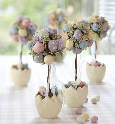 Table decoration Easter - 30 craft ideas for a happy festive mood!, decorations table Table decoration Easter - 30 craft ideas for a happy festive mood! Easter Projects, Easter Crafts, Easter Ideas, Egg Crafts, Diy Osterschmuck, Easy Diy, Diy Ostern, Easter Parade, Deco Floral