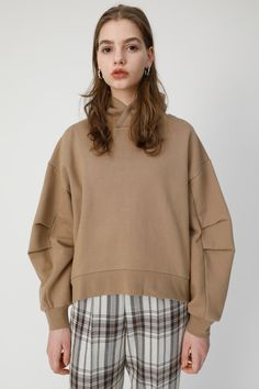 Knit Fashion, Work Fashion, Sweat Clothes, Japanese Fashion Designers, Casual Outfits, Fashion Outfits, Athleisure Fashion, Easy Wear, Casual Looks