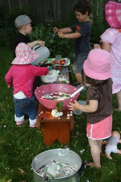 Garden Soup – Water and Garden Sensory Play – Happy Hooligans – Natural Playground İdeas Water Play Activities, Sensory Activities Toddlers, Sensory Play, Toddler Preschool, Summer Activities, Outdoor Activities, Family Activities, Play Activity, Sensory Rooms