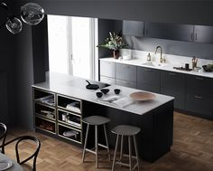 Kitchen inspiration by Ballingslöv styled by talented Therese Larsson and shot by Ragnar Omarsson. From the home of Frida Fahrman. Bar Interior Design, Interior Design Living Room, Black Kitchens, Home Kitchens, Kitchen Dining, Kitchen Decor, Kitchen Cabinetry, Kitchen Organization, Kitchen Interior