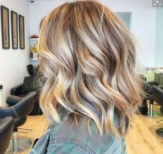 I love everything about this haircut & color