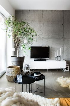 Top Simple Minimalist Living Room Furniture Ideas for This Years Living Room Tv, Home And Living, Living Spaces, Apartment Living, Modern Living, Living Area, Minimalist Living Room Furniture, Concrete Interiors, Home And Deco