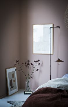 Cozy bedroom with a warm muted palette in the home of Niki Brantmark. Styling by Genevieve Jorn, photo by Niki Brantmark My Scandinavian Home Cozy bedroom with a warm muted palette a Cool Palette Cozy Bedroom, Modern Bedroom, Decor Room, Bedroom Decor, Bedroom Ideas, Bedroom Chair, Design Bedroom, Bed Room, Wall Decor