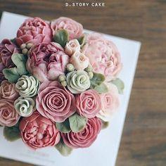 advanced class, 1st week D.story Cake #flowercake#cake#buttercreamcake#beautiful#buttercream#buttercreamflowers#dessert#baking#koreanstyle#koreanfood#앙금플라워떡케이크#앙금꽃케이크#잠실베이킹#취미#요리#새댁요리#일상#데일리#꽃스타그램