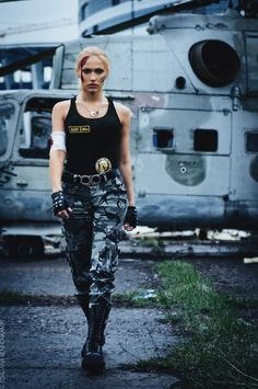 free online nigeria Fighter Girl Gun for women site Military Costume Halloween, Military Costumes, Best Friend Halloween Costumes, Military Looks, Military Women, Girl Costumes, Costumes For Women, Sonya Blade, Soldier Costume