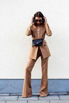 Get this look: More looks by Malia Keana: lb.nu/maliakeana … Get this look: More looks by Malia Keana: lb.nu/maliakeana Items in this look: Zara Blazer, Zara Pants, Zara Belt Bag Look Fashion, Trendy Fashion, Winter Fashion, Fashion Trends, Zara Fashion, Trendy Style, Urban Street Style Fashion, Street Style Suit, Feminine Fashion