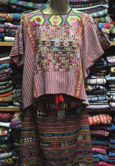 HUIPIL traditional guatemala