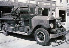 1930 American Lafrance Pumper: Photo taken by Charles Meredith 8/25/56