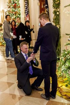 Caught On Camera. Over the weekend, U.S. Marine Corps captain Matthew Phelps proposed to his partner Ben Schock during a visit to the White House.