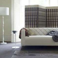 Living Room Design Idea Black and White Trend