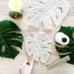 Hello fellow crafters and artists! I finally uploaded the Macramé Monstera lea… Hello fellow crafters and artists! I finally uploaded the Macramé Monstera leaf tutorial that has been so highly requested by you guys… Macrame Art, Macrame Projects, Diy Projects, Yarn Crafts, Diy And Crafts, Arts And Crafts, Leaf Crafts, Macrame Patterns, Diy Décoration