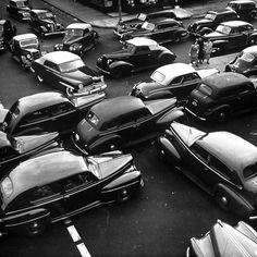 Traffic jam in New York City on Memorial Day Weekend, 1949