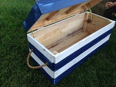 If you May's manage the sky touching charges of suitcases and massive chests then we've got hand-crafted wooden pallet storageDIY Wooden Pallet Storage Box Plans. Read more ... » chests for you which of them may be your subsequent goal from recycled palletDIY Pallet Swimming Pool. Read more ... » wooden for massive quantity of …