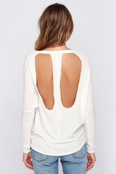 Backless loose T-shirt