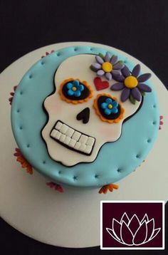 Sugar skull cake - OMG this would be perfect if it's a girl!! It matches my bedding I want!!!