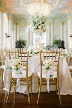 Wedding Table Decorations for a Cream Wedding | CHWV