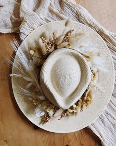 """Idlewild Floral on Instagram: """"Fixed up my hat for a fun project with @crowned.events and think I might have to leave the flowers on it for a while..."""" Wedding Hats, Headpiece Wedding, Bridal Headpieces, Bridal Hat, Bridal Crown, Boho Theme, Wedding Mood Board, Wedding Flower Inspiration, Vintage Bridal"""