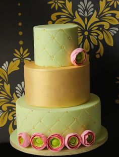 Ranunculus cake with quilted tiers