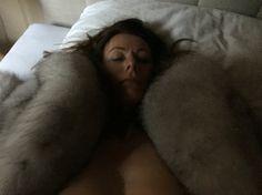 Mmh! Fur Lined Coat, Fox Fur Coat, White Fox, Blue And White, Natural Women, Fur Jacket, Real Women, Warm And Cozy, Beautiful Women