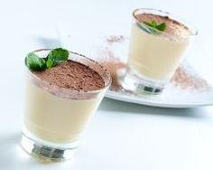 Crème à la vanille en verrine : http://www.cuisineaz.com/recettes/creme-a-la-vanille-en-verrine-58991.aspx