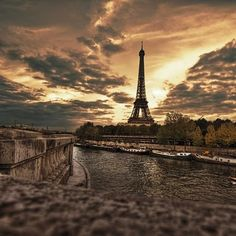 Paris in the morning. [Photo via Instagram/@Melli_Rockstarr]