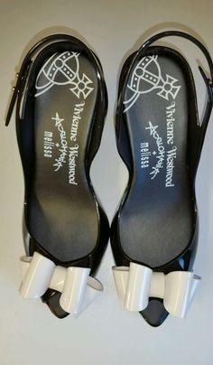 Vivienne Westwood Melissa Dragon Heels Black/White Bow/Size: EUR 39/US 8/BRA 37